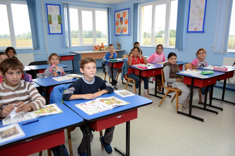 smiles300-Tileagd-education-school-class