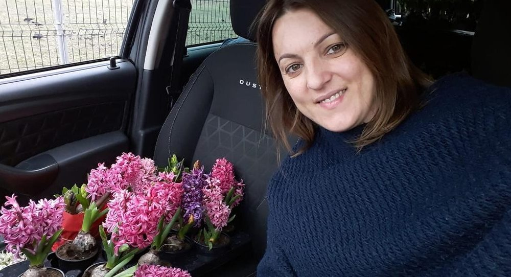 Maria and flowers