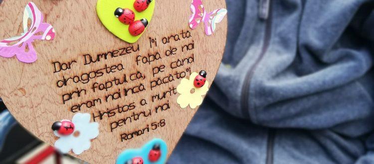 Heart Romans 5:8