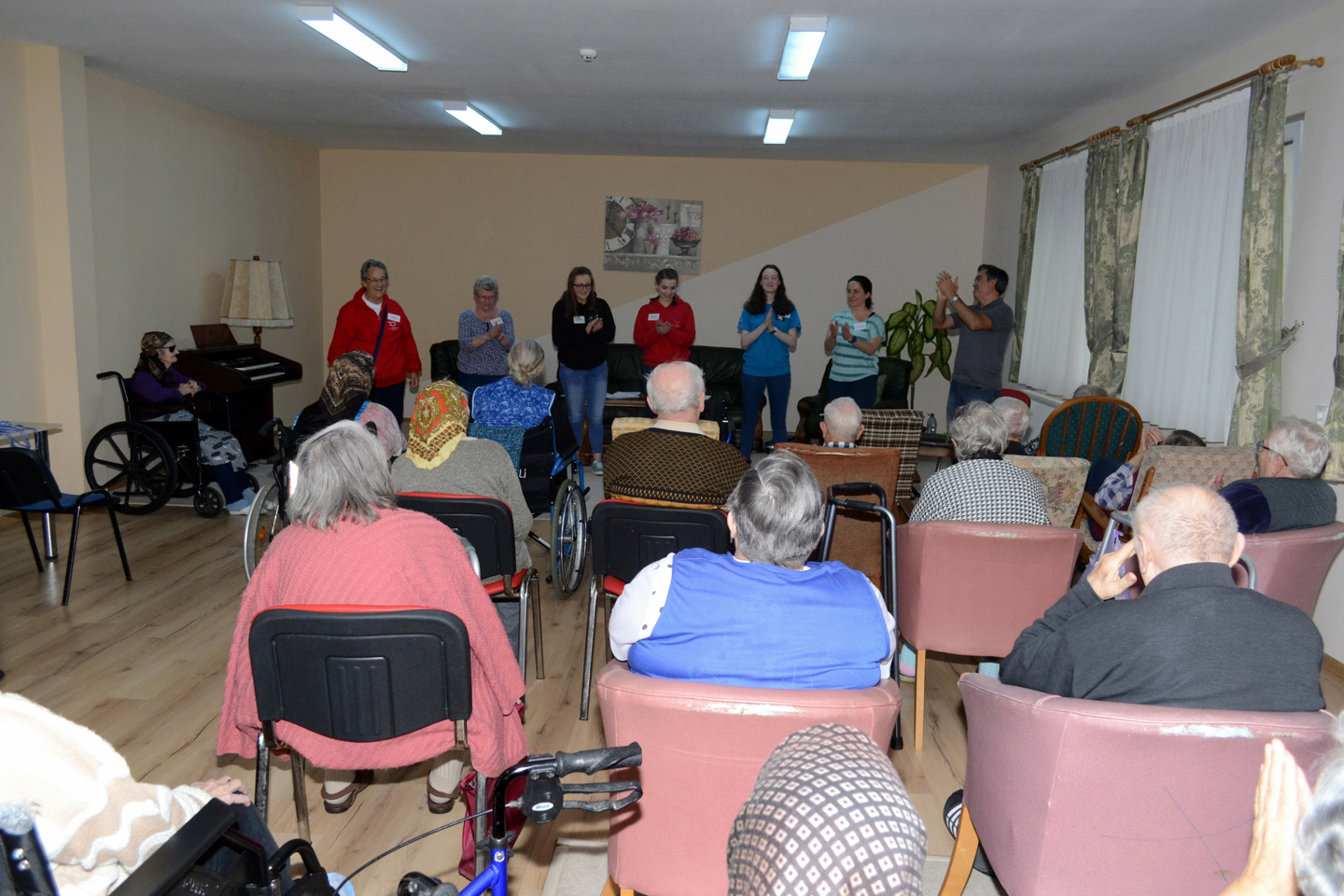 smiles500-elderly-centre-oradea-entertainment