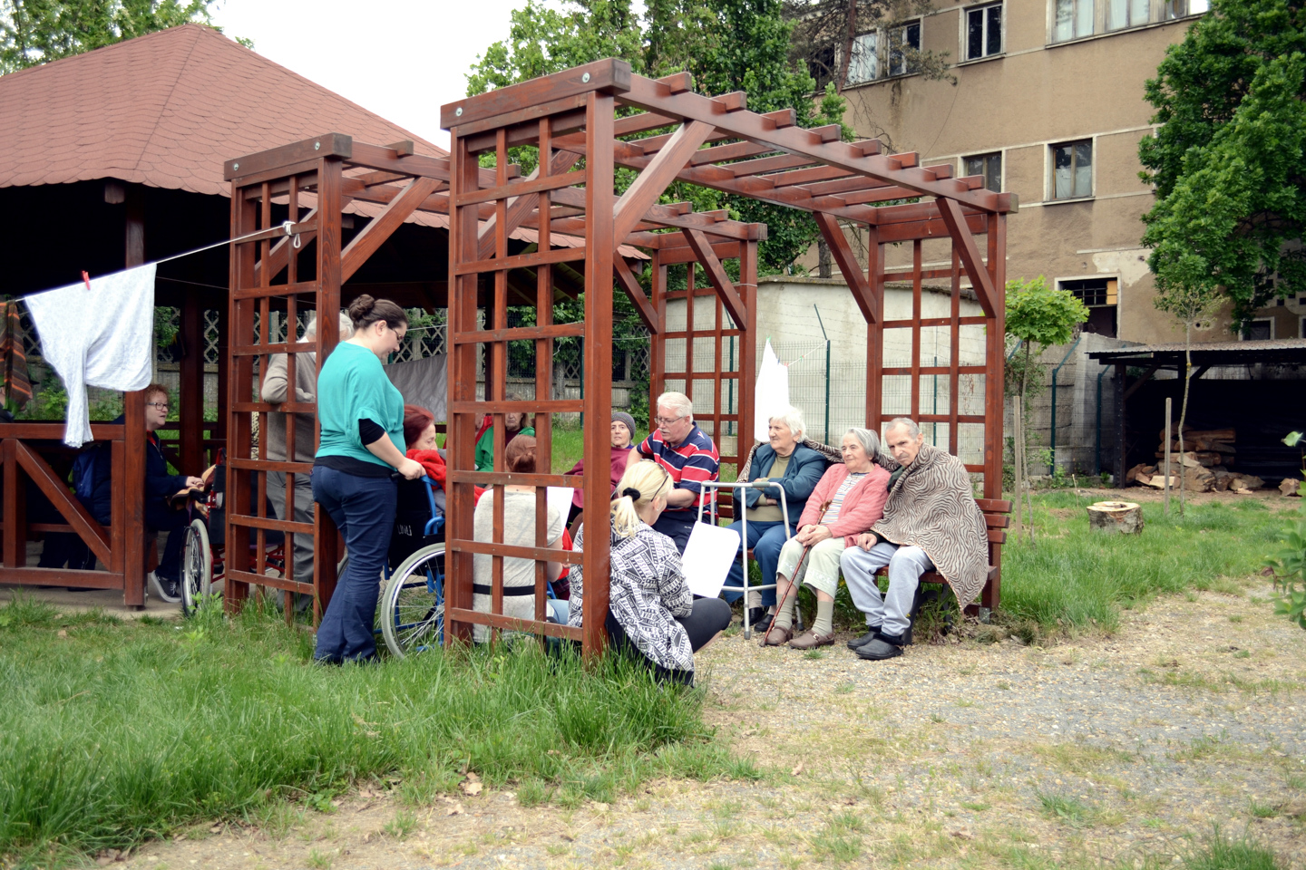 smiles500-elderly-centre-oradea-outside