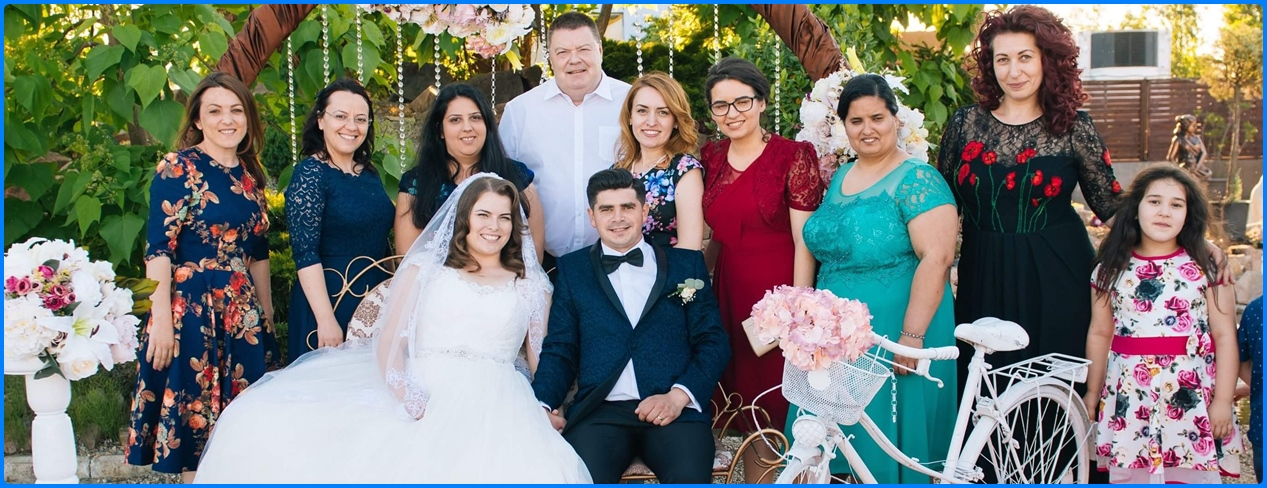 Rebeca and Gabi's wedding, group photo