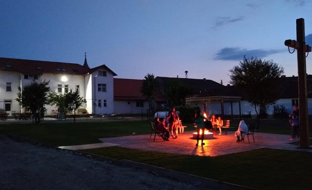 Dezna Camp